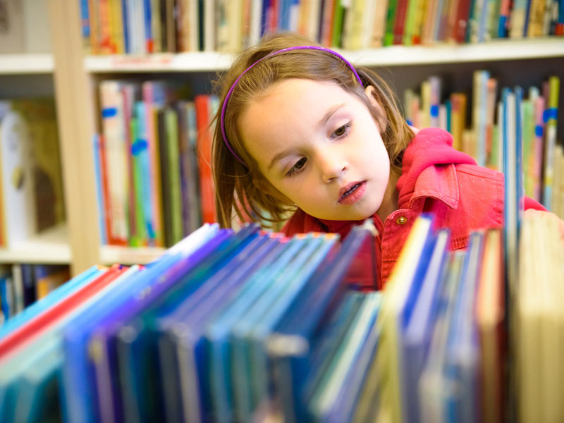 SELECTING SUITABLE BOOKS FOR YOUNG CHILDREN